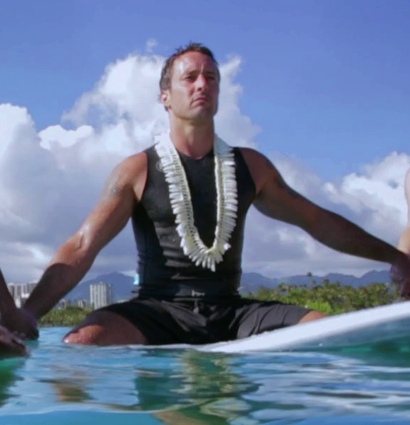 hawaii 5 0 alex o loughlin and scott caan take
