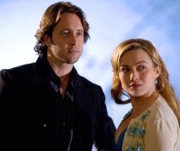 Alex O'Loughlin and Sophia Myles