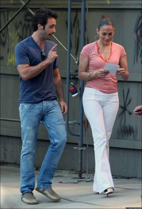 Alex & Jen on set