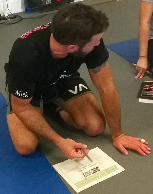 Alex signing Pics Miek