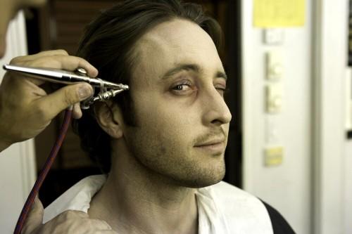 Alex O'Loughlin  Moonlight vamping 05