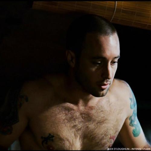 marcus shirtless sq