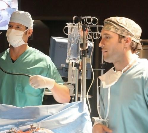 Alex & Dr Travis Stork on set of Three Rivers