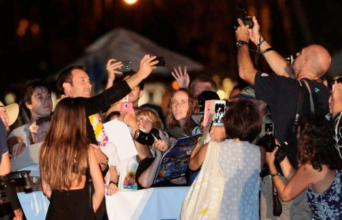 alex-and-the-fans-picture-from-star-advertiser