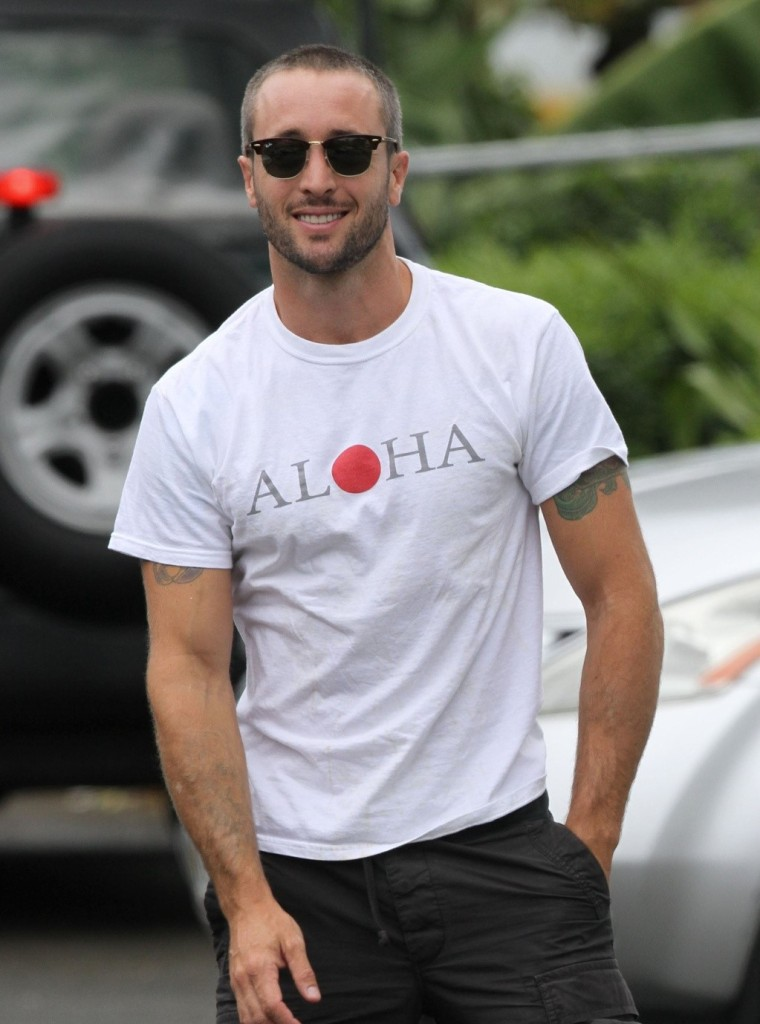 This image has an empty alt attribute; its file name is alex-oloughlin-2011.jpg