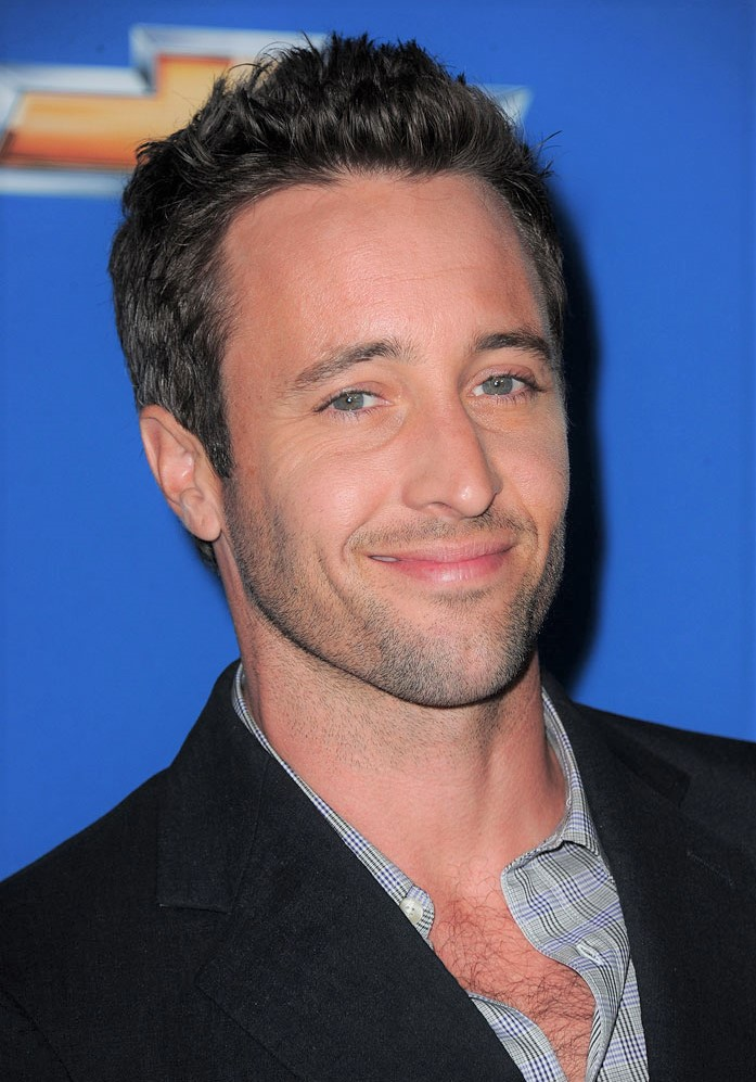 This image has an empty alt attribute; its file name is alex-oloughlin-at-the-colony-cbs-fall-season-premiere-party-2010.jpg